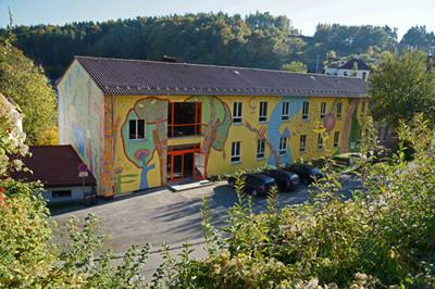 Jochen Streichert | Jura Montessori Schule Sulzbürg, Nordansicht - Erde